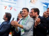 Ukrayna'da Selenski'nin partisinden seçim zaferi