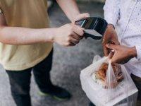 'ABD'de her 4 yemek dağıtım kuryesinden biri, siparişlerin bir kısmını yiyor'