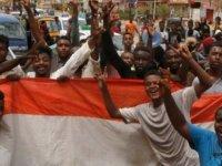 Sudan: Askeri konsey ve muhalifler üç yıllık geçiş dönemi üzerine anlaştı