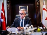 Cumhurbaşkanı Mustafa Akıncı, busabah New York'a gitmek üzere KKTC'den ayrıldı.