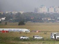 Moskova'dan kalkışta martı sürüsüne çarpan uçaktan 'mucize iniş'