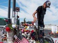 El Paso saldırısında eşini kaybeden adam, 'ailesi olmadığı için' cenazeye kent halkını çağırdı