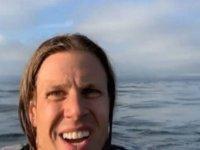 Uçakları düştü, okyanustan bir helikopter ile kurtarıldılar (VİDEO)