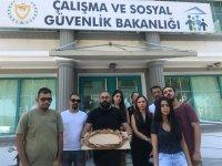Bağımsızlık Yolu'ndan Asgari Ücrete simitli protesto