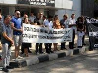 Öğretmen Sendikaları, okullardaki eksiklikleri ve protokolü protesto etti
