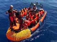 Malta yardım gemisindeki sığınmacılara kapılarını açıyor