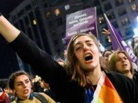 İstanbul Sözleşmesi nedir, kadın örgütleri uygulanması için neden ısrarlı, karşı çıkanlar ne diyor?