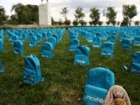 UNICEF BM genel merkezinin bahçesini mezarlığa çevirdi