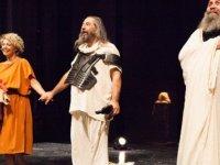 """Kıbrıs Tiyatro Festivali'nde Tiyatro Üçartıbir """"Sokrates'in Son Gecesi""""ni sahneledi"""