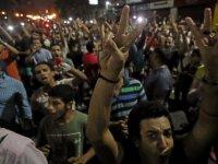 Mısır'da Korku duvarı yıkıldı! Darbeciye karşı halk sokaklarda: Çok sayıda gözaltı var