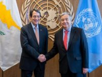 Anastasiadis, Paris'te Guterres ile kısa bir görüşme yaptı