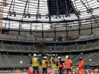 2022 Dünya Kupası'na yetişmeye çalışan Katar'da aşırı sıcakta çalışmaktan 'her yıl yüzlerce  işçi ölüyor'