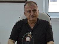 DAÜ Eczacilik Fakültesi Dekani Prof. Dr. Mustafa F. Şahin'e onur ödülü