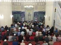 KKTC camilerinde TSK'nın Suriye harekatı için Fetih Suresi okundu