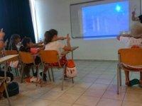 Özay Günsel Çocuk Üniversitesi öğrencileri işaret dili öğrenerek örnek bir farkındalığa imza atıyor