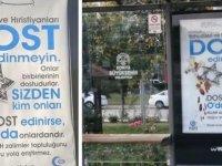 """Konya'da otobüs duraklarına """"Yahudileri ve Hristiyanları dost edinmeyin"""" yazılı afişler asıldı"""