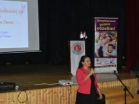 Girne Belediyesi Danışma ve Destek Merkezi meme kanseri konusunda kız öğrencilere yönelik seminer düzenledi