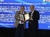 Tatar'a Stratejik Vizyon Sahibi Devlet Adamı Ödülü verildi