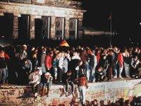 Berlin Duvarı'nın yıkıldığı gün