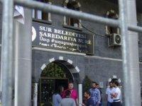HDP raporu: 24 belediyeye kayyım atandı, 13 başkan tutuklu