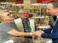 Lefkoşa Türk Belediyesi Başkanı Harmancı'dan yeni yıl öncesi esnaf ziyareti