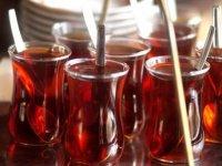 Sıcak çay içmek yemek borusu kanserine yol açıyor