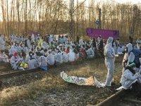 Almanya'da çevreciler kömür madenlerini işgal etti