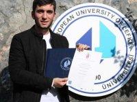 LAÜ öğrencisi çift diploma almaya hak kazandı