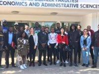 Yakın Doğu Üniversitesi İktisadi ve İdari Bilimler Fakültesi öğrencileri Avrupa Birliği'nin adadaki rolüne ilişkin alan araştırması gerçekleştirdi…