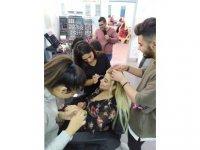 Saç Bakımı ve Güzellik Hizmetleri Bölümü öğrencileri öğretmenlere bakım yaptı