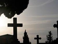 Fransa'da belediye başkanı haftasonu ve tatillerde ölmeyi yasakladı