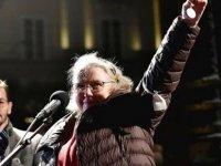 İsveçli gazeteci Nobel ödülünü iade ediyor