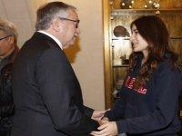 Cumhurbaşkanı Akıncı IGCSE Türkçe dalında dünya birincisi olan Berilsu Meral'i başarısından dolayı kutladı