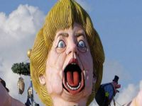 Putin 'travesti' oldu, Merkel 'Renzi doğurdu'