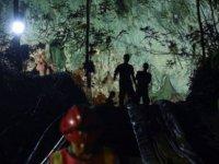 Tayland'da mağarada mahsur kalan çocukları kurtaran ekibin üyesi operasyon sırasında kaptığı enfeksiyondan öldü