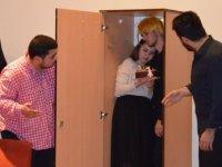 """LAÜ'de """"Çul Çürüten Kumpanya"""" adlı tiyatro gösterimi  sahnelendi"""