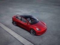 Tesla, Çin'de üretilen ilk 'Model 3' otomobilleri teslim etti
