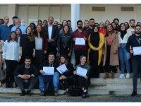 DAÜ Halkla İlişkiler ve Reklamcılık Bölümü'nün başarılı öğrencileri sertifikalarını aldılar