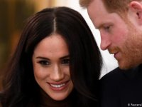 Prens Harry ve eşi Meghan kraliyet görevlerinden çekildi