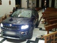 Kiliseye arabayla dalan adam: Şeytandan kaçtım