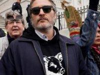 Joker'in başrol oyuncusu Joaquin Phoenix gözaltına alındı
