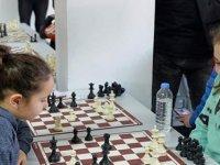 Satrançta Üçüncü Tur Oynandı..!