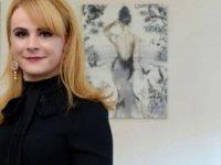 Trans birey olduğu için işe alınmadığını iddia ederek dava açtı; 9 bin sterlin alacak