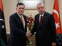 Serrac Libya'ya askeri müdahale çağrısı yaptı