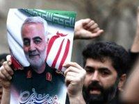 İran uzmanı gazeteci: ABD'nin saldırısı rejime 'can suyu' verdi