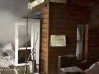 Rusya'da bir oteli sıcak su bastı: 5 ölü