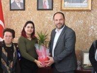 Ötüken Muhtarı Ve Kadın Eğitim Enstitüsü, İskele Belediye Başkanı Sadıkoğlu'nu Ziyaret Etti
