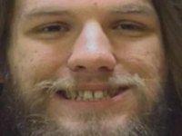 Uyuşturucu bulundurmaktan yargılandığı davanın duruşmasında hakim karşısında marihuana içti