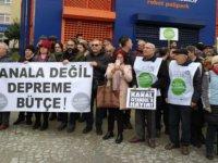 Yurttaşlar, Müdürlük önünde haykırdı: 'Kanal İstanbul'a değil, depreme bütçe!'