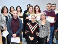 Daü-Sem İngilizce Kurslarını Başarıyla Tamamlayanlara Belgeleri Verildi